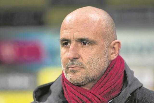 Trener Michał Probierz na dodatkową część sezonu szykuje nowe elementy taktyczne, którymi zamierza zaskoczyć przeciwników