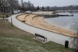 Kraków. Budują plażę, nowe boiska i sanitariaty nad Bagrami [ZDJĘCIA]