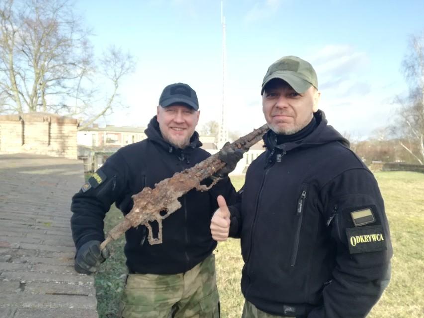 Polski karabin Browning wz. 28 został znaleziony w jednej z...