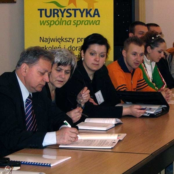 Uczestnicy konferencji będą mieli pierwszeństwo przy zapisywaniu się na atrakcyjne szkolenia dofinansowane z Europejskiego Funduszu Społecznego.