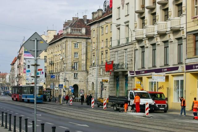 Przystanek wiedeński przy Piłsudskiego jest już prawie gotowy