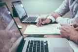 Agent ubezpieczeniowy - franczyza czy współpraca agencyjna? Jaka forma współpracy z multiagencją jest lepsza?