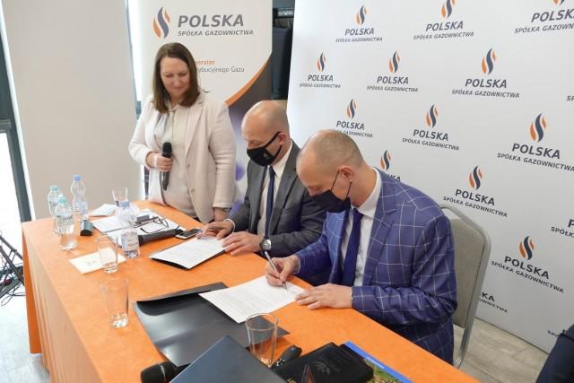 Dyrektor Oddziału Zakładu Gazowniczego w Bydgoszczy, Sebastian Latanowicz, który gościł w Więcborku w ubiegłym tygodniu zapewnił władze miasta, że dokumentacja na budowę sieci, jak również stacji regazyfikacji LNG została złożona