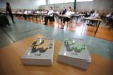 Nowe terminy egzaminów maturalnego i ósmoklasisty. Szkoły, uczelnie i przedszkola zamknięte do 26 maja