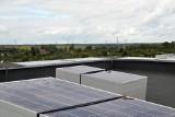 Prąd z dachu do piwnicy i windy. Spółdzielnia montuje panele słoneczne na blokach w Gorzowie
