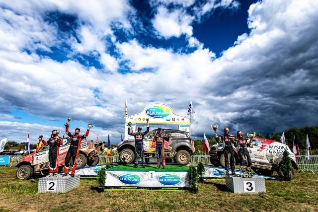 Król Dakaru najszybszy w Baja Poland. Polacy też stanęli na podium
