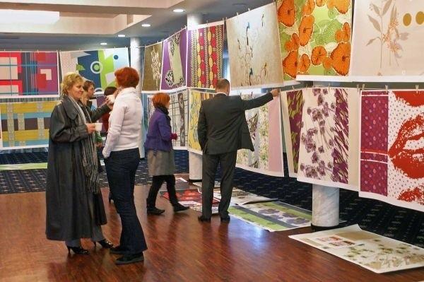 Białostocka pracownia projektowa Andropolu daje przedstawicielom Ikei ogromny wybór wzorów na tkaniny pościelowe. Do jesienno-zimowej kolekcji Ikea wybrała dziewięć wzorów; teraz – do wiosennej – kolejnych osiem.