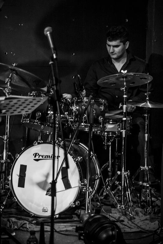 Sebastian Kuchczyński ma solidne wykształcenie muzyczne.