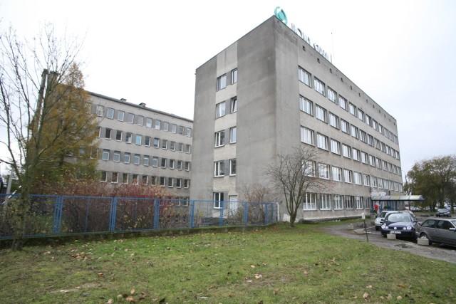 Pielęgniarki z Nowego Szpitala od 1 czerwca dostaną wreszcie obiecane dawno podwyżki, średnio 70 zł. Jednak nadal nie wiadomo, kiedy otrzymają dodatki motywacyjne i jak zostaną podzielone.