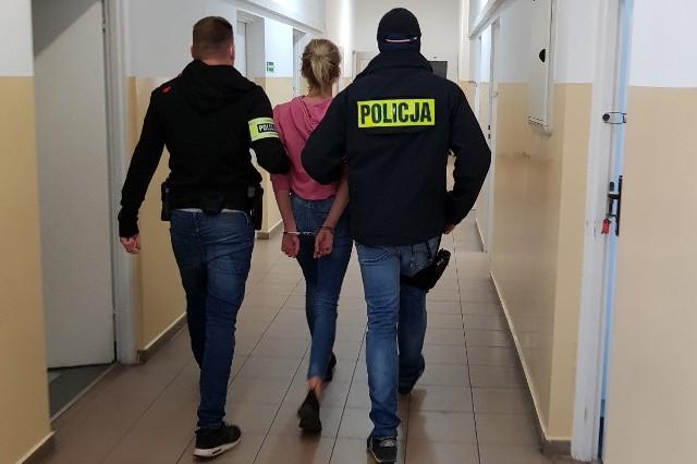 Kobieta trafiła za kraty. Może jej teraz grozić do 10 lat więzienia