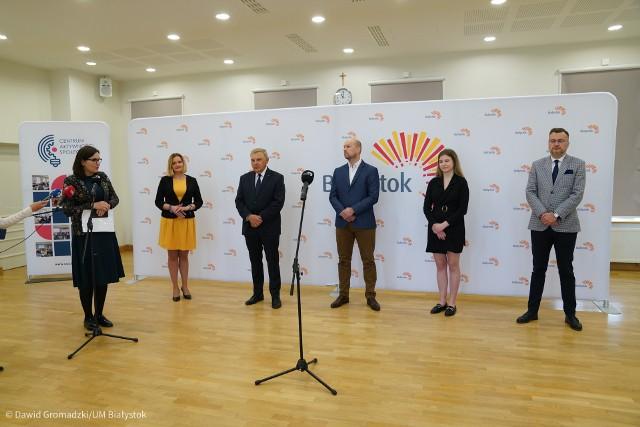 W poniedziałek powołane zostało stanowisko miejskiego rzecznika praw ucznia. W spotkaniu inaugurującym działalność rzecznika udział wzięli między innymi: prezydent i wiceprezydent Białegostoku, radna Joanna Misiuk, oraz Dominika Łapińska - przewodnicząca Młodzieżowej Rady Miasta.
