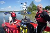 Strażacy w Jeziorze Strzeszyńskim. Czego szukają w wodzie? To tylko obowiązkowe ćwiczenia doskonalenia zawodowego