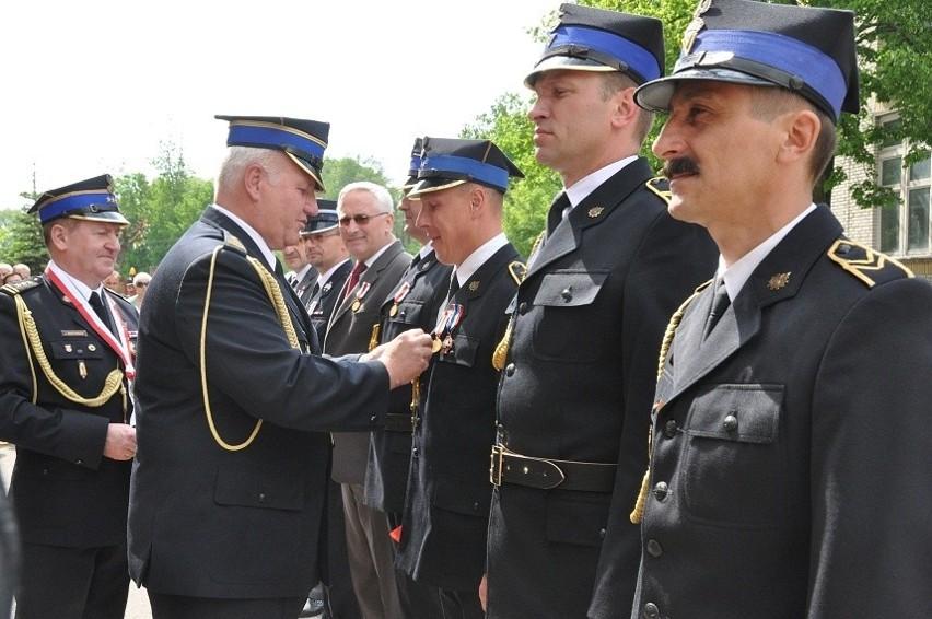 Z okazji Dnia Strażaka bielscy druhowie otrzymali medale i...