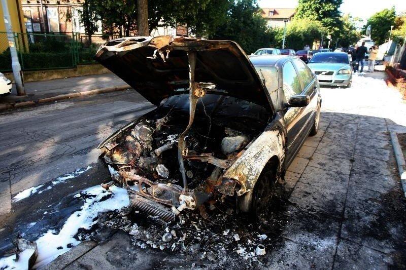 Topnotch Podpalenia samochodów w Gdańsku. Wandalizm, zemsta, a może CI53