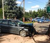 Wypadek w miejscowości Gniła. Po zderzeniu audi wjechało w ludzi na poboczu (zdjęcia)