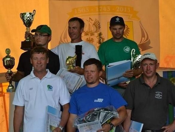 """Dwa lata temu podczas """"Złotej Rybki"""" w Nowej Soli triumfowali: Zbigniew Milewski (I miejsce), Szymon Ciesielski (II), Jacek Kozielski (III), Zbigniew Trubikowicz (IV), Kacper Górecki (V) oraz Artur Koncur (VI)."""