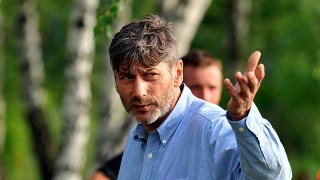 Jacek Bobrowicz jest prezesem Klubu Sportowego Preczów. Karierę zakończył w 2002 roku w Siarce Tarnobrzeg.