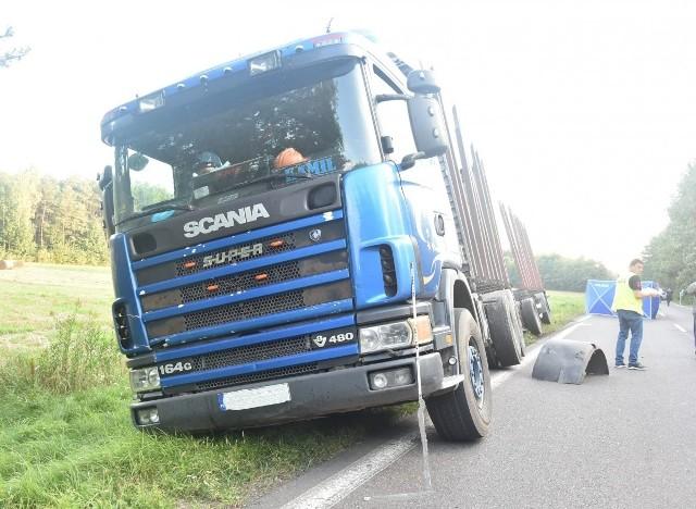 50-letnia piesza została śmiertelnie potrącona przez ciężarówkę.