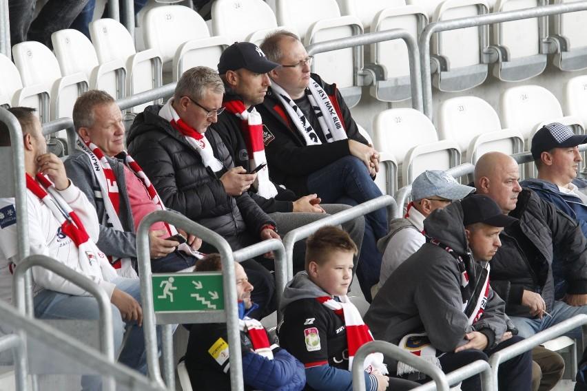Piłkarska pierwsza liga. Dlaczego kibice ŁKS nie obejrzą meczu w Gdyni? [ZDJĘCIA]