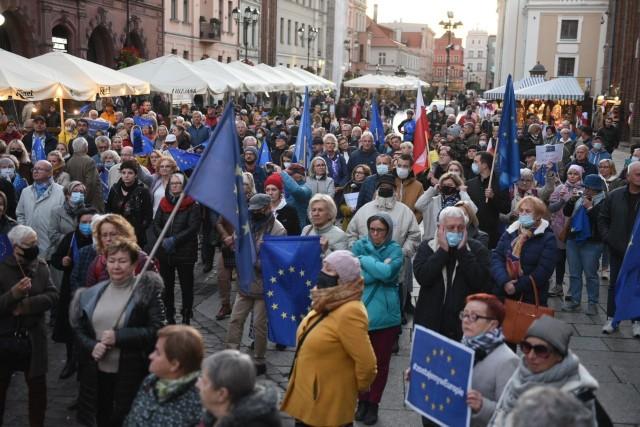 Wyższość prawa krajowego nad unijnym. Protest w Toruniu po decyzji TK
