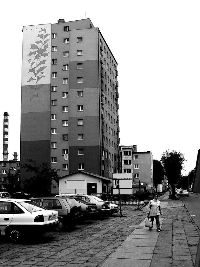 Blok mieszkalnyMieszkania z wielkiej płyty: coraz chętniej kupowane