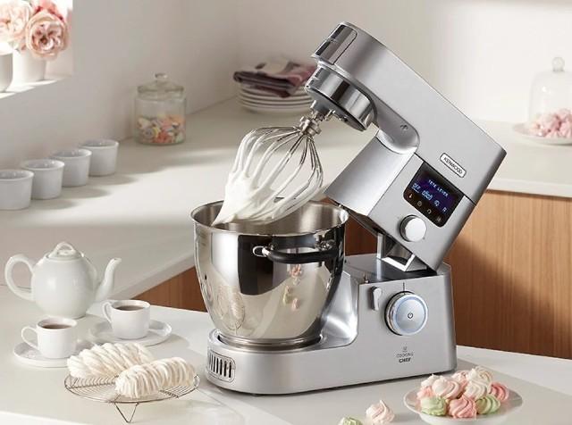 Robot kuchennyRobot do wyrabiania ciasta chlebowego, na pierogi, drożdżowego – co powinien mieć?