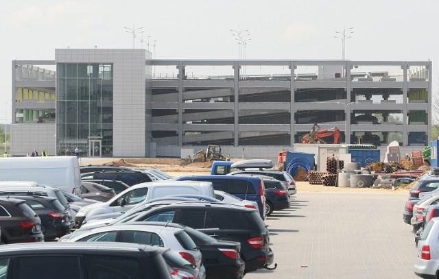 Parking wielopoziomowy Targów Kielce już działaNowy parking w Targach Kielce ma cztery kondygnacje i pomieści 500 samochodów.