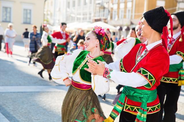 Podlaska Oktawa Kultur 2017. Kolorowa parada na Rynku Kościuszki