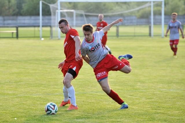 Crasnovia (na czerwono) ograła Kolbuszowianką i zgarnęła ważne trzy punkty.