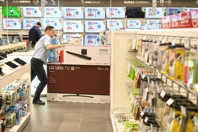 W Poznaniu zakupy w RTV Euro AGD można zrobić przy Alejach Solidarności 42.