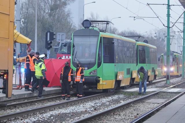 Do śmiertelnego potrącenia 22-letniej Oli przez tramwaj na ulicy Zamenhofa w Poznaniu doszło na początku grudnia 2020 roku. Piesza wpadła pod tramwaj linii numer 7, który jechał w kierunku ronda Starołęka.