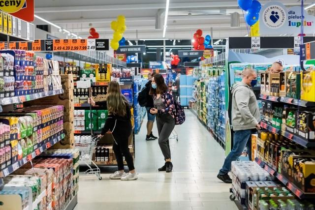 W Wielką Sobotę, 3 marca, sklepy będą pracować krócej.