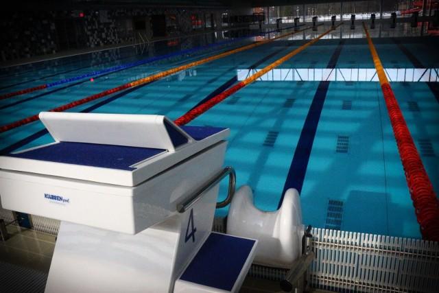 Część basenów we Wrocławiu i w okolicach wróciło do pracy po krótkiej przerwie spowodowanej decyzją rządu o wstrzymaniu ich działalności. Rząd w ostatniej chwili zmienił decyzję i zezwolił, by na basenach nadal odbywały się treningi, zawody i zorganizowane zajęcia sportowe.Zobacz na kolejnych slajdach, które baseny są czynne i jakie zajęcia się tam odbywają