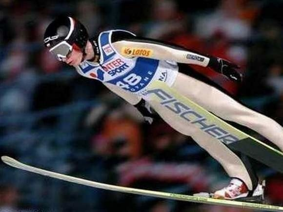 W minioną niedzielę Kamil Stoch wywalczył pierwszy od 1972 roku złoty medal olimpijski dla Polski w skokach narciarskich.