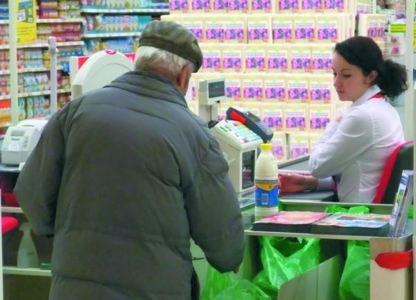 Zakupy w polskich hipermarketach opłacają się naszym sąsiadom zza wschodniej i północnej granicy. Najczęściej kupują oni mąkę, cukier, mięso i wędliny, nabiał, słodycze oraz owoce.