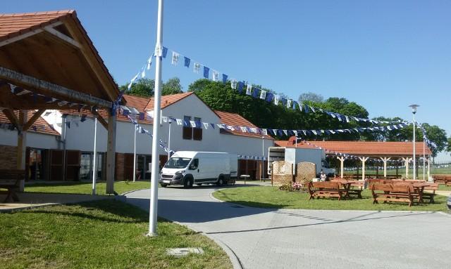 Lubuskie Centrum Winiarstwa przystrojone jest w unijne flagi