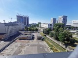 Stary dworzec PKS w Katowicach się rozpada. Działka przy Skargi jest pusta. Właściciel Echo Investment ma stawiać biurowiec