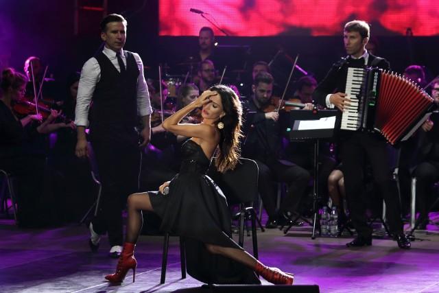 Koncert muzyki filmowej w opolskim amfiteatrze. Justyna Steczkowska.