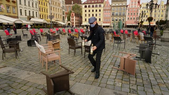 Protest restauratorów we wrocławskim Rynku 23.10.2020