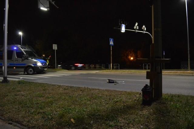 Po godzinie 19.30 na przejściu dla pieszych na ulicy Szarych Szeregów w Radomiu doszło do kolejnego już potrącenia. Tym razem ranna została kobieta.