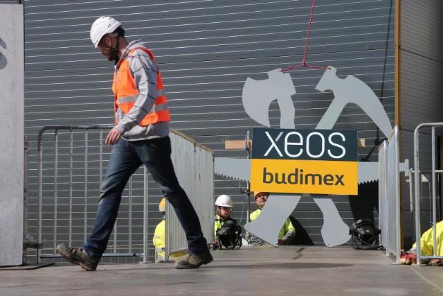 Xeos miał docelowo zatrudniać ponad 3 tysiące osób. Teraz zapowiedział zawieszenie działalności