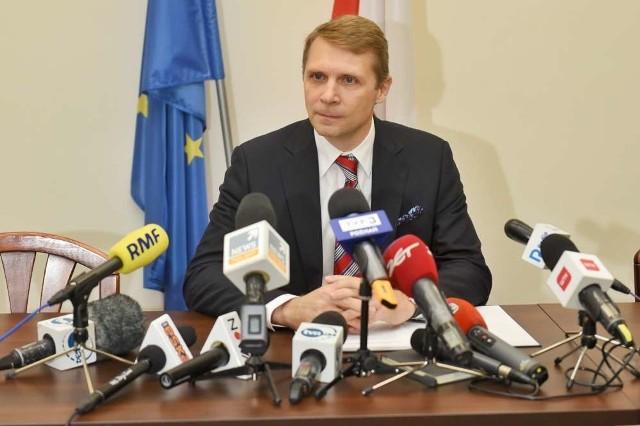 Prokurator Łukasz Biela nie odpowiadał na pytania dziennikarzy.