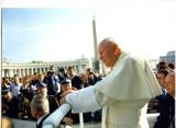 40. rocznica pontyfikatu Jana Pawła II. 40 lat od wyboru Karola Wojtyły na papieża. Zdjęcia Czytelników ze spotkań z papieżem [GALERIA]