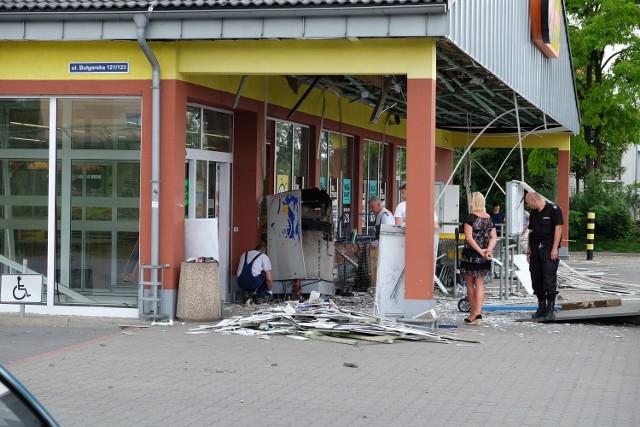 Przestępcy napadają na bankomaty
