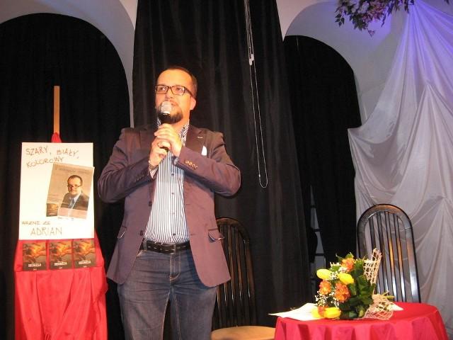 Adrian Szary wydał już piąty tomik poezji.