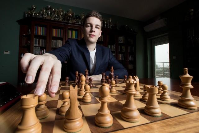Najbardziej znany polski szachista Jan Krzysztof Duda będzie walczył o medal Mistrzostw Europy w szachach błyskawicznych