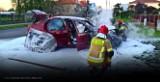 Volkswagen zapłonął na parkingu pod szpitalem w Międzyrzeczu. Według świadków, płomienie biły na wysokość dwóch metrów!