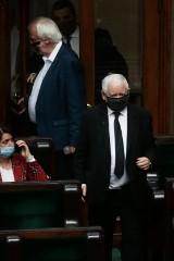 Jarosław Kaczyński na kwarantannie. Miał kontakt z osobą zakażoną koronawirusem