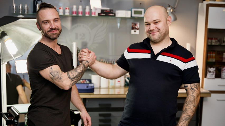 Droga do sukcesu zaczęła się przypadkiem - sam sukces to efekt wyboru dobrego finansowania - wywiad z właścicielami salonu tatuażu