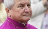 Pijany biskup kaliski Edward Janiak trafił do szpitala. Na jaw wychodzi tuszowanie kolejnych skandali seksualnych w diecezji kaliskiej